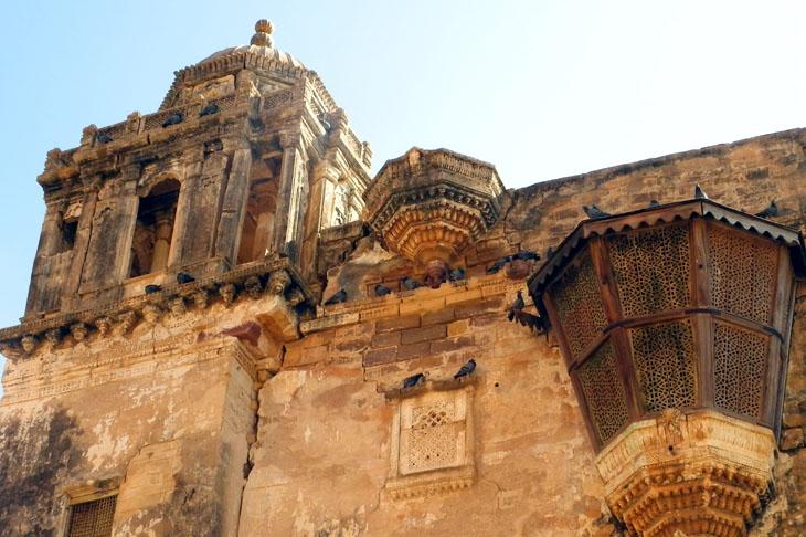 Gujarat_Bhuj_Ainamahal