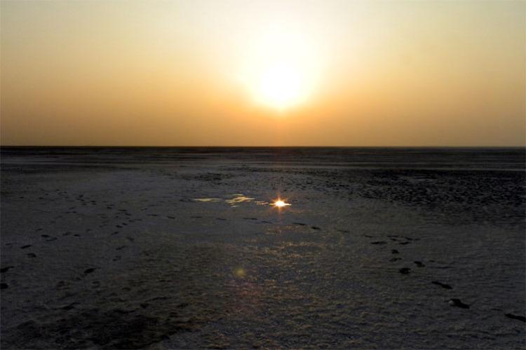 Gujarat_GreatRann_SunsetReflection