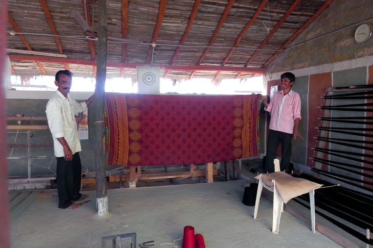 Gujarat_HiralakshmiCraftPark_Weavers