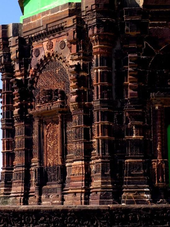 Gujarat_LakhpatFort_Tomb