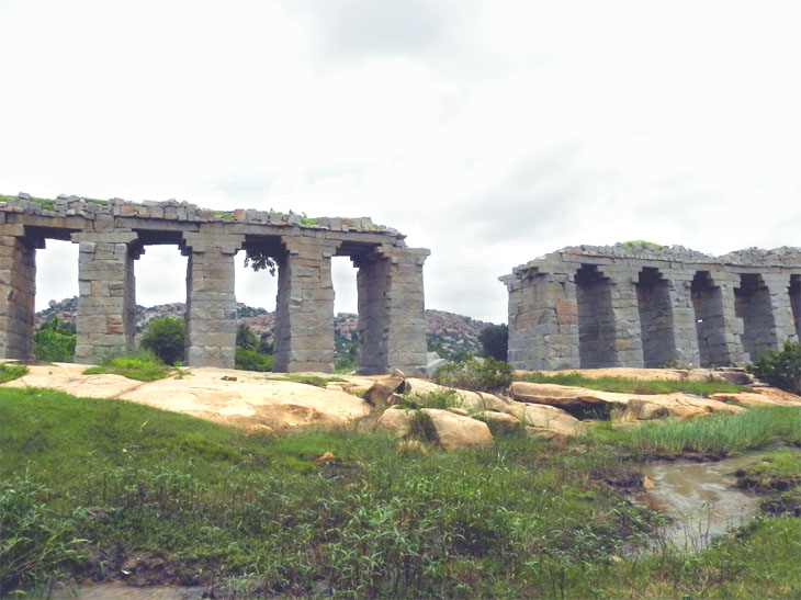 Hampi_OtherSide_Aqueduct