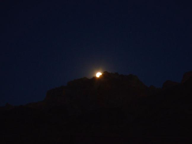 Leh - Mulbek moonrise 1