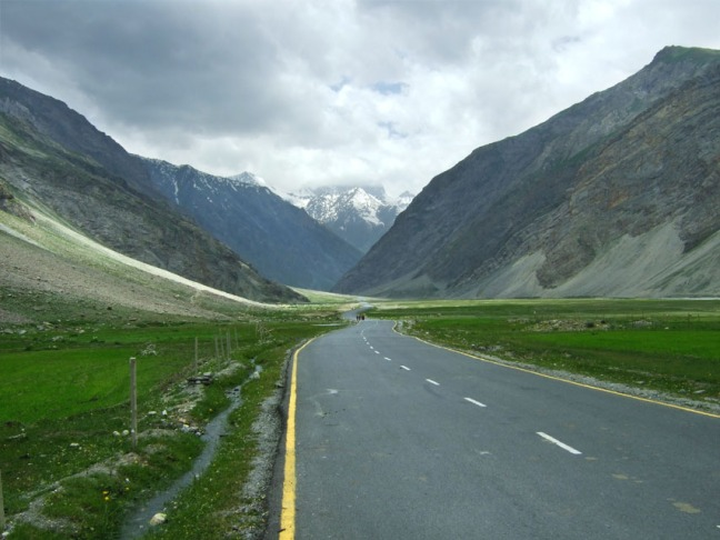 Leh - Road to Zoji La 1