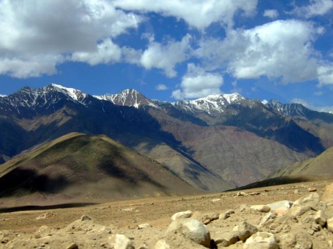 Leh - Roadside mountains