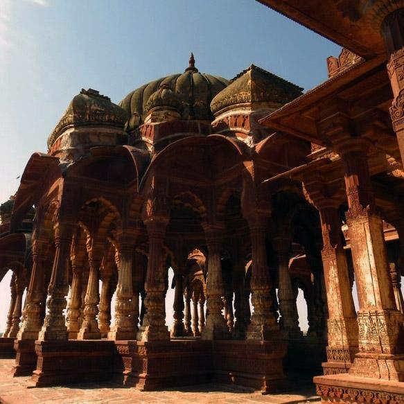 Jaisalmer - Mausoleum of kings 1