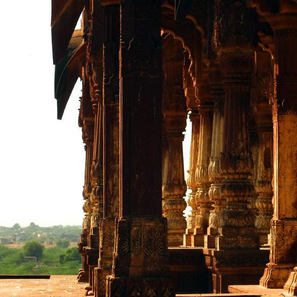 Jaisalmer - Mausoleum of kings 2