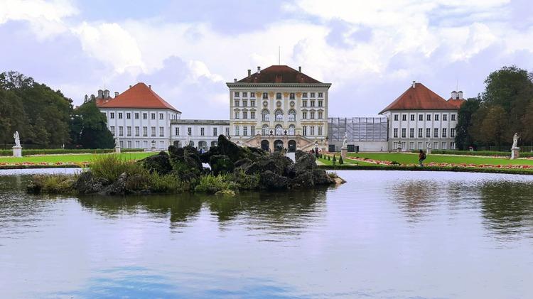 Munich - Nymphenburg palace.jpg