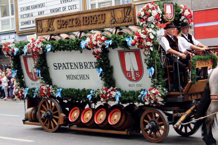 Munich - Parade brewery cart