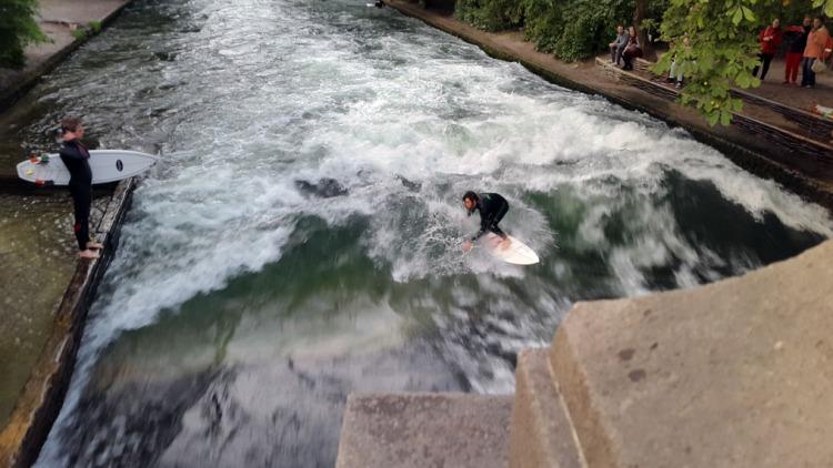 Munich - River surfer