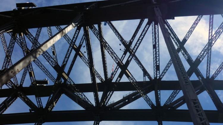 Sydney - Brigde underneath