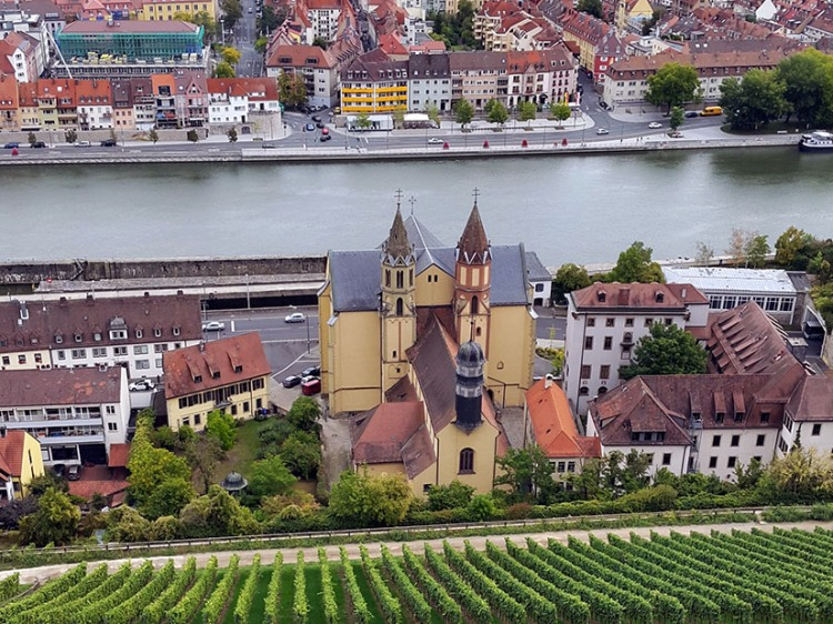 Wuerzburg - View down the side of the castle.jpg