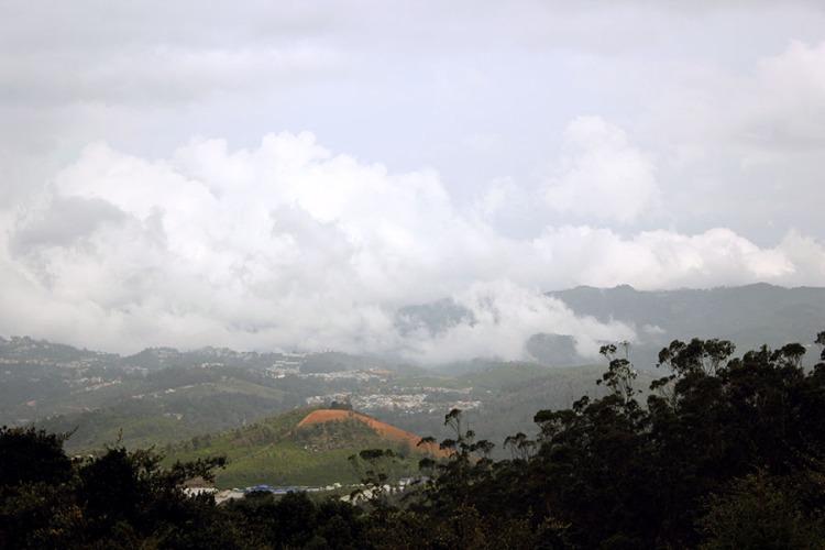 Coonoor - View from Doddabetta peak.JPG