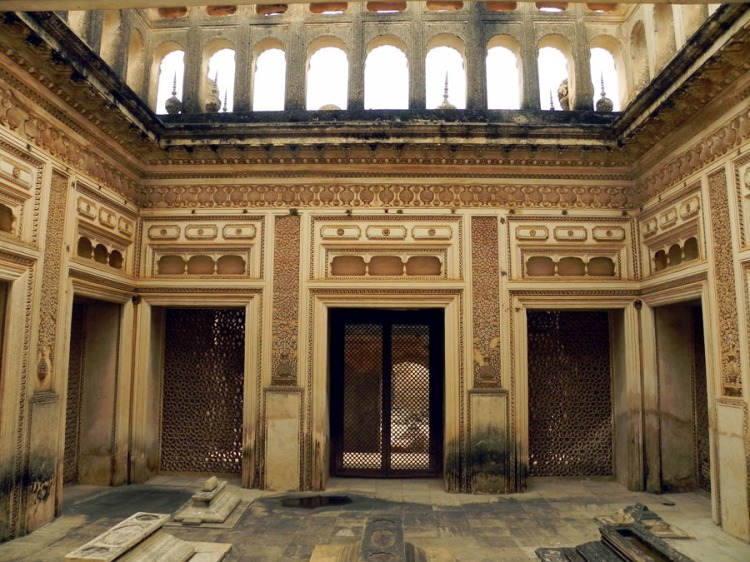 Paigah Tombs - An enclosure