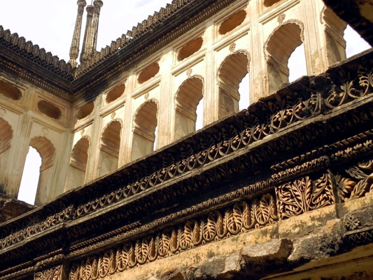 Paigah Tombs - Open enclosure