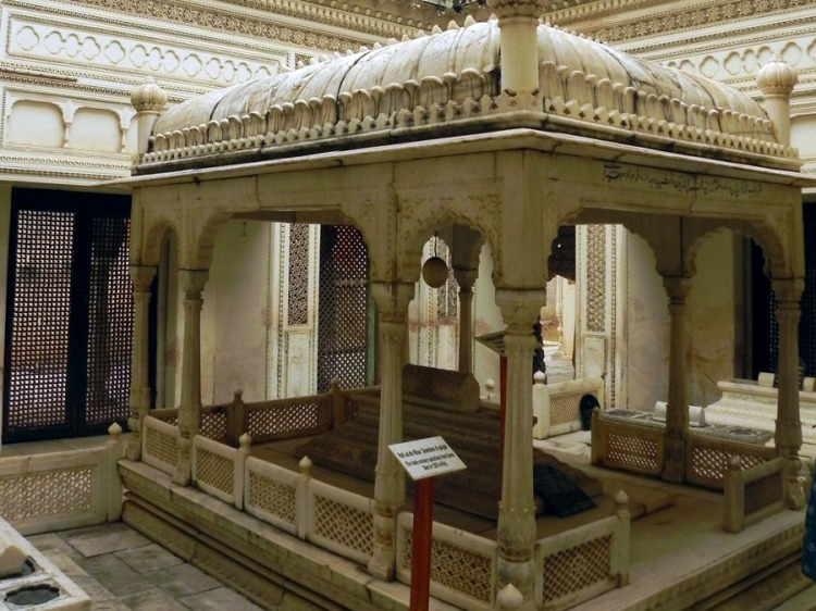 Paigah Tombs - Tomb of Fakhruddin Khan