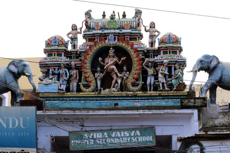 Madurai - Figures on school arch