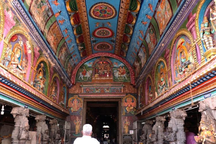 Madurai - Pudumandapa outer meenakshi shrine