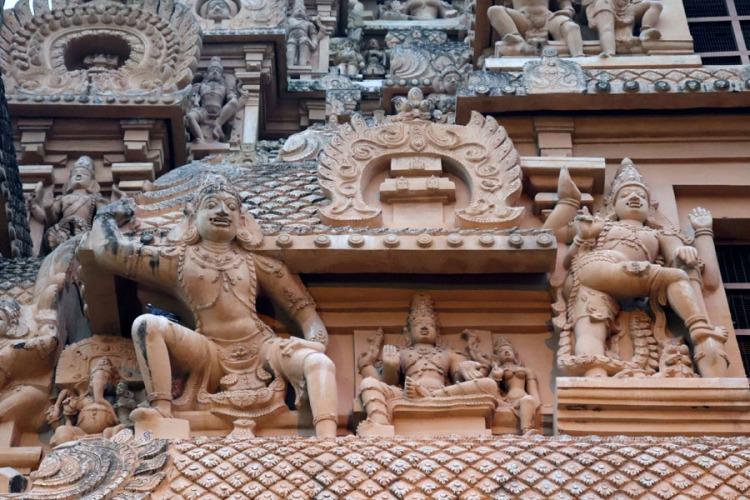 Thanjavur - Figures on outer gopuram